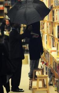 Майкл в книжном магазине в Лос-Анджелесе